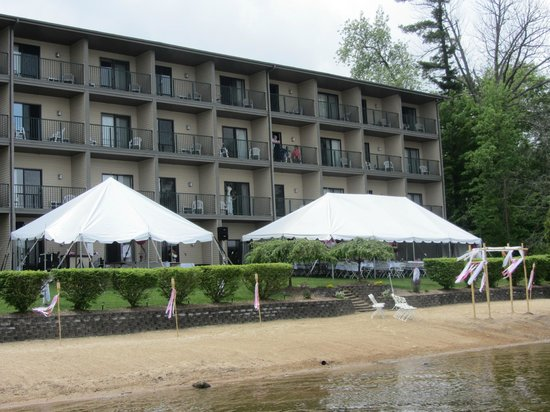 Beachfront Hotel Houghton Lake Michigan: View from the beach on the big day!