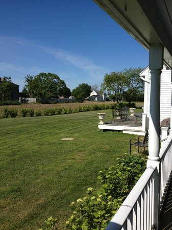 Escobar's Farmhouse Inn: View from wrap around porch