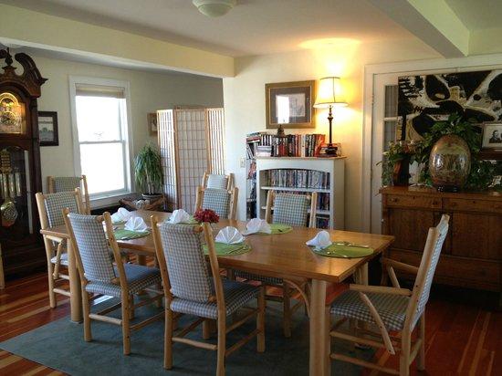 Escobar's Farmhouse Inn: Dining Room