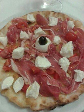 La Tana di Lucifero: pizza Estate :-) :-)
