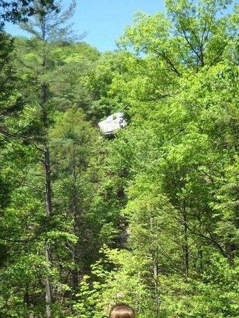 Trough Creek State Park: Balanced rock