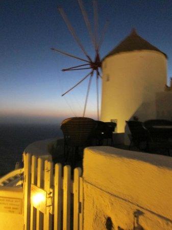 Golden Sunset Villas : The iconic windmill where Golden Sunset Villa is located