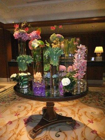 Four Seasons Hotel Prague: decorazioni floreali
