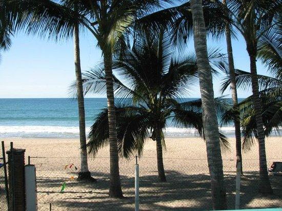 Bungalows & Trailer Park El Caracol: Frente al mar