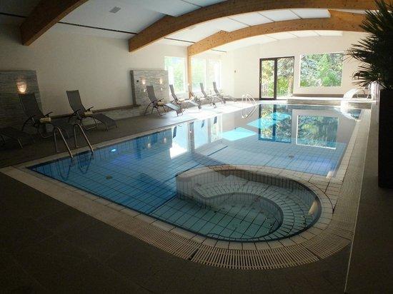 Ganischgerhof Mountain Resort & SPA: Indoor Pool with Jacuzzi