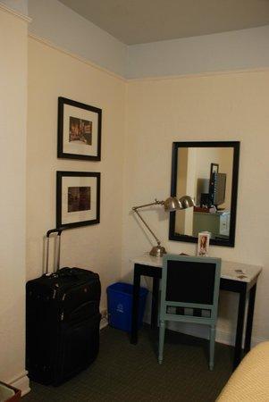 Hotel Carlton, a Joie de Vivre hotel: Bedroom