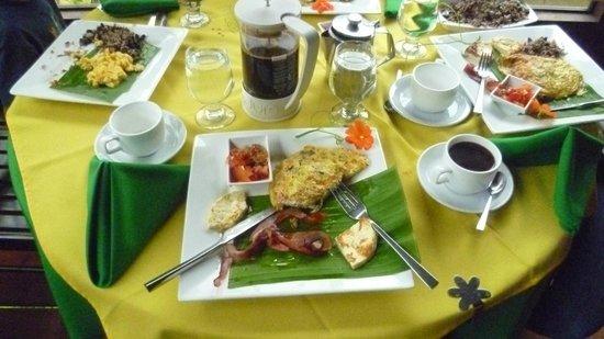 Hotel Quelitales: Maravilloso desayuno