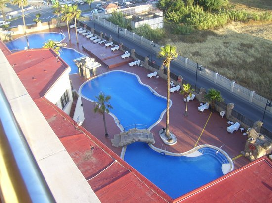 Marconfort Beach Club Hotel: pools