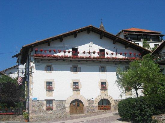 Hostal Ezkurra