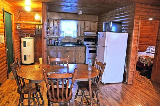 Kitchen dining picture of gros morne cabins gros morne for Cabins in newfoundland