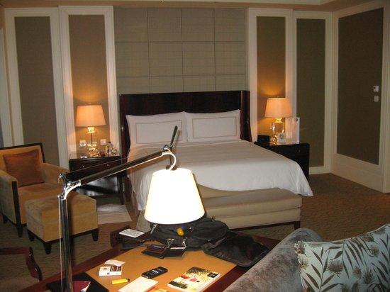 Four Seasons Hotel Macau, Cotai Strip: 1012 Comfortable bed