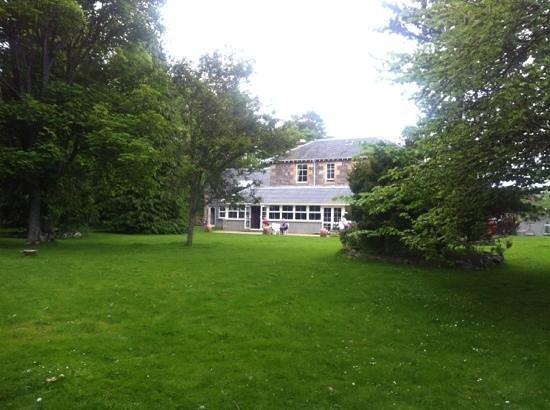 Columba House Hotel: Big rear garden