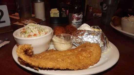 Klines Down Home Cafe: My creole catfish dinner