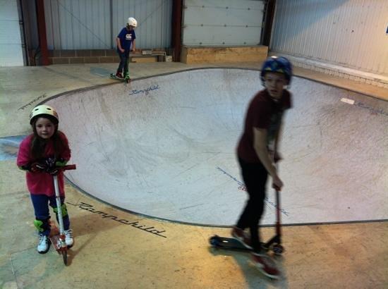 360 Indoor Skate Park: Skate Bowl