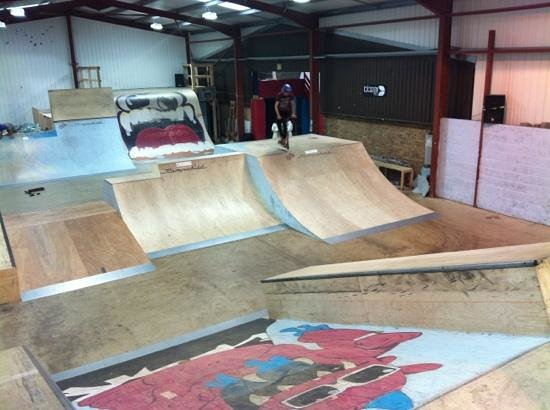 Large ramp area picture of 360 indoor skate park for Indoor skatepark design uk