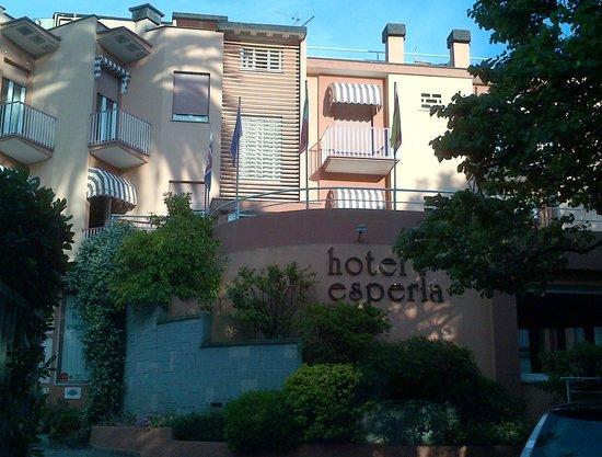 Hotel Esperia : facciata
