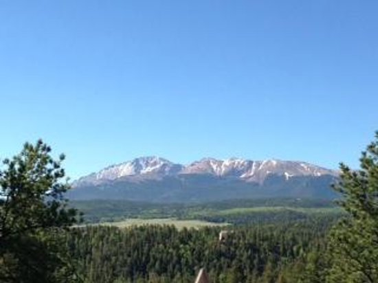 Pikes Peak Paradise Bed and Breakfast: This was our view from our room