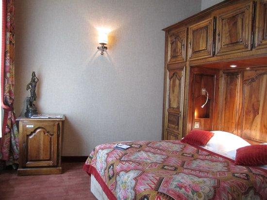 Left Bank Saint Germain: Room at Best Western Left Bank