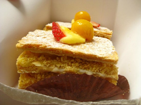Mimosa Patisserie: We prefer mango to strawberry flavour.