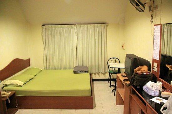 R.C.N. Court & Inn: 500 baht double room