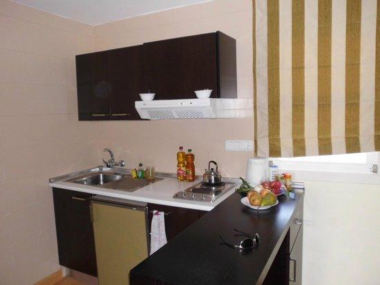 Pierre & Vacances Apartamentos Mallorca Vista Alegre: Küchenzeile