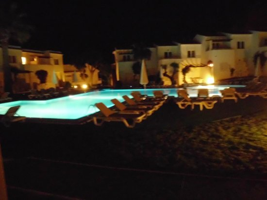 Pierre & Vacances Apartamentos Mallorca Vista Alegre: Pool und Appartments