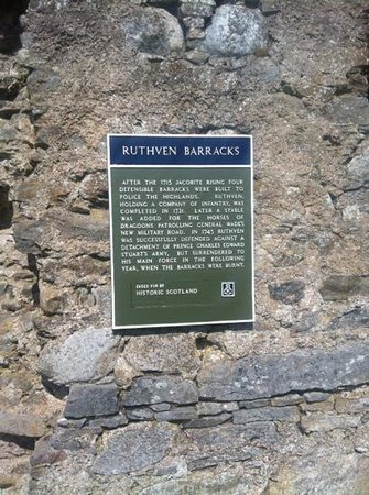 Ruthven Barracks: Entrance Plaque