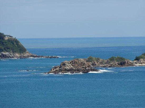 La Isla Huatulco & Beach Club: Una de las hermosas bahías