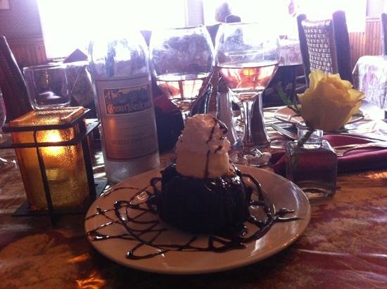 Cambria Pines Lodge Restaurant : A little Birthday dessert....Delish!!!!!  Thank you waiter =)