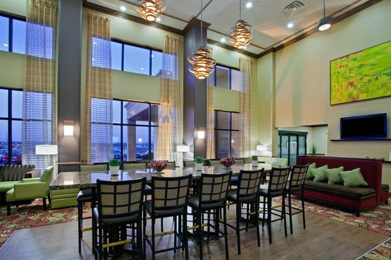Hampton Inn Suites Springboro: New Perfect Mix Lobby