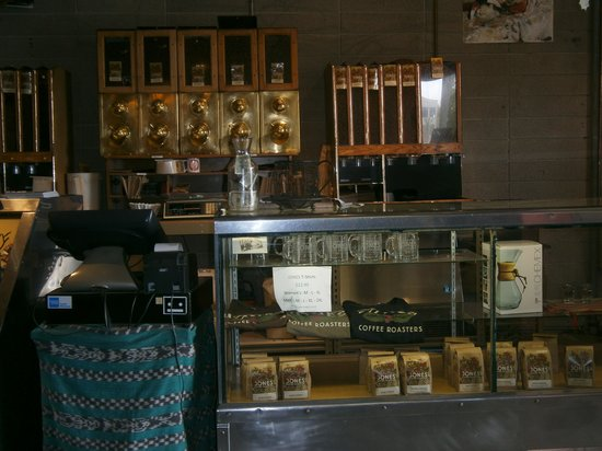 Photo of Cafe Jones Coffee Roasters at 693 South Raymond Avenue, Pasadena, CA 91105, United States