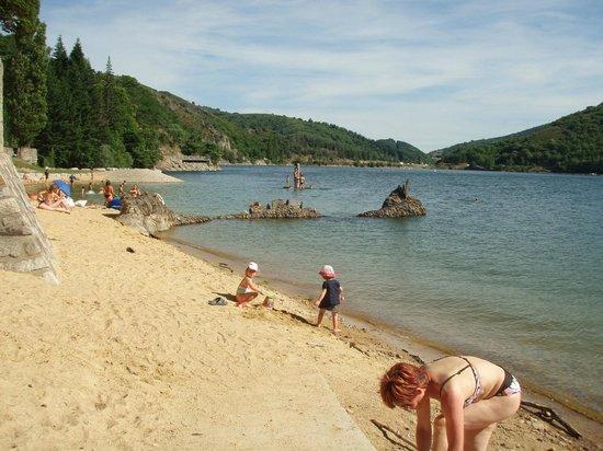 Lac de Villefort : La plage