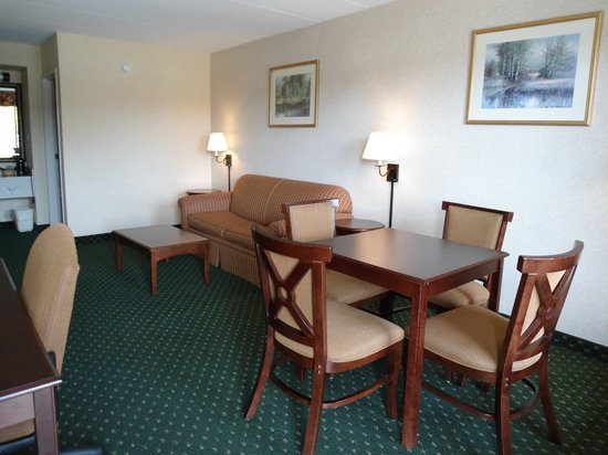 Quality Inn Easton: Suite Located on First Floor