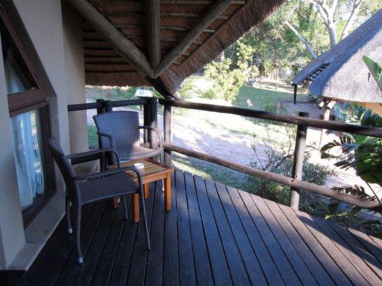Bongani Mountain Lodge: Terrasse
