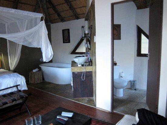 Bongani Mountain Lodge: Zimmer