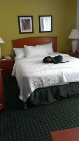 TownePlace Suites St. Louis Fenton: Bed