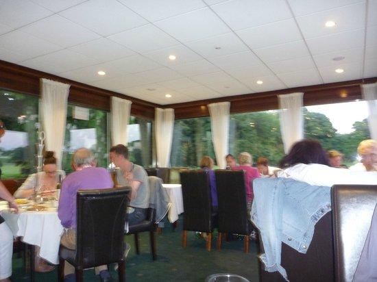 Gazis Indian Restaurant: Inside Seating