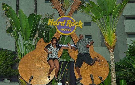 Hard Rock Hotel Vallarta : Front of hotel