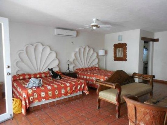 Club El Moro: Large beds