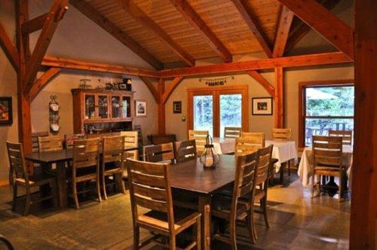 Arnold Black Bear Inn: breakfast area