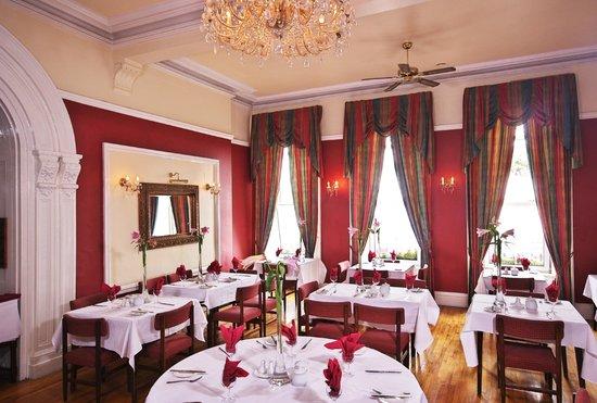 States Restaurant: Captains Table Restaurant
