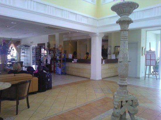 Akamanthea Holiday Village : Hotel Reception