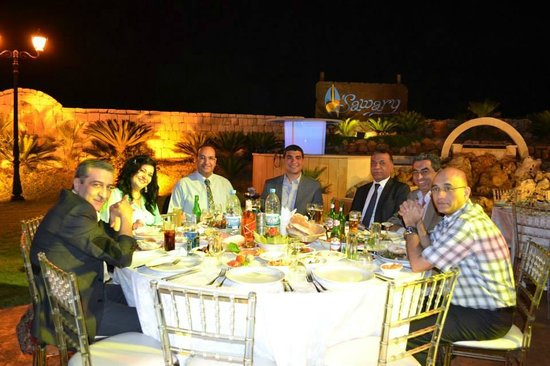 Sawary Resort & Hotel: Open air dining