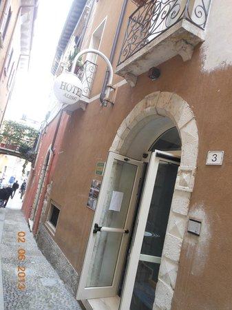 Alessi Hotel: In pieno centro!