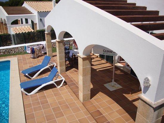 Cala'n Blanes Villas: Overlooking patio