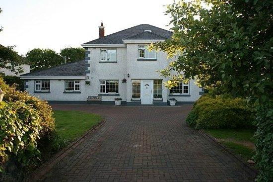 Shanlin House B+B: front