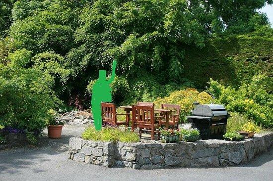 Shanlin House B+B: garden