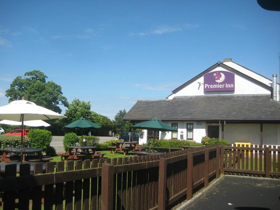 Premier Inn Stirling South (M9, J9) Hotel: Taken from the childrens outdoor play park