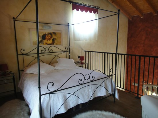 Azienda Agricola Pellegrini Franco : The bedroom