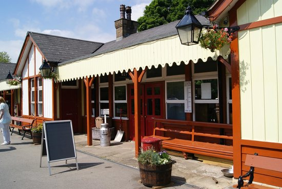 Embsay & Bolton Abbey Steam Railway: Bolton Abbey Station
